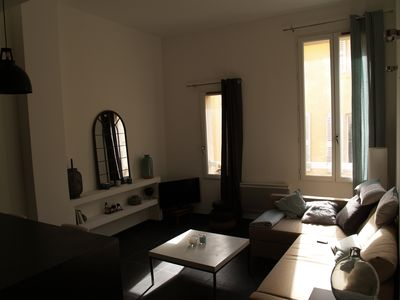 Photo for Comfortable apartment renovated, 1 min from the Mirabeau court