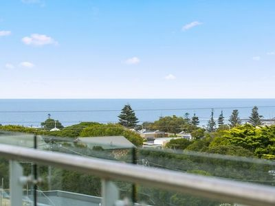 Photo for CENTRAL TORQUAY - WHITEWATER APARTMENT 201 T1173