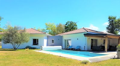 Photo for Beautiful villa, all comfort, heated pool, pets welcome