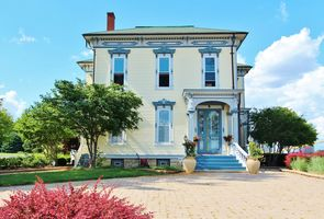 Photo for 4BR Estate Vacation Rental in Morris, Illinois