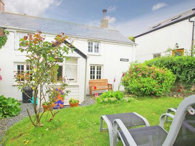 Photo for ELFIN COTTAGE, pet friendly, with open fire in Porthleven, Ref 959312