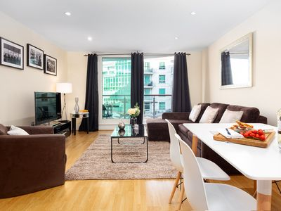 Photo for Spacious St. George's Wharf 1B apartment in Lambeth with WiFi & lift.