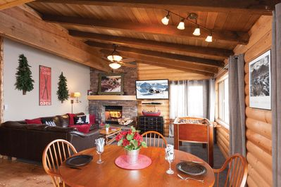 Mountain Ambiance with Upscale Features