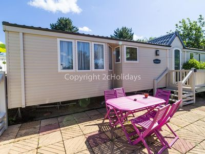 Photo for Luxury 6 berth dog friendly caravan for hire near Great Yarmouth ref 10020B