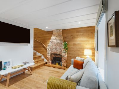 Photo for 4 bedroom heritage cottage in the city with 2 carparks (sleeps 8)