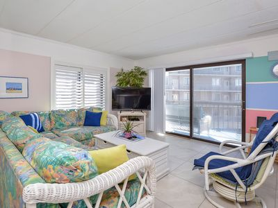 Photo for Fantastic Bayfront 2 Bedroom, 2 Bathroom Condo with Climate Control Outdoor Pool!