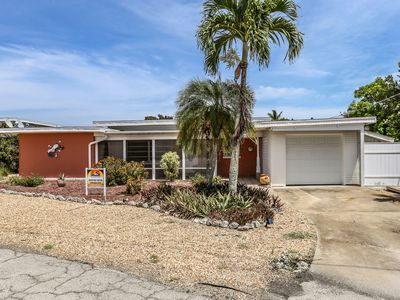 Photo for Nestled on a quiet cul-de-sac, 464 Washington Court is a three bedroom, two bathroom home just a 4 minute walk from the Gulf of Mexico.