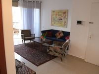Nice Apartment in an upcoming district, very close to the hotspot Jaffa-fleamarket with all its