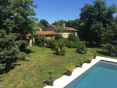 Photo for Family house, heated pool and private tennis court, countryside, sleeps 18