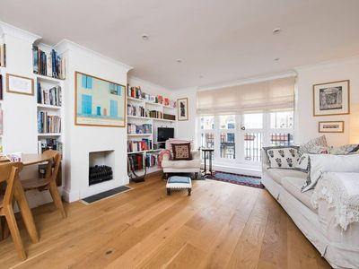 Photo for Lovely 2BR Family Home near Tower Bridge