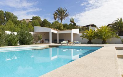 Photo for 2BR Villa Vacation Rental in Provensals, PM