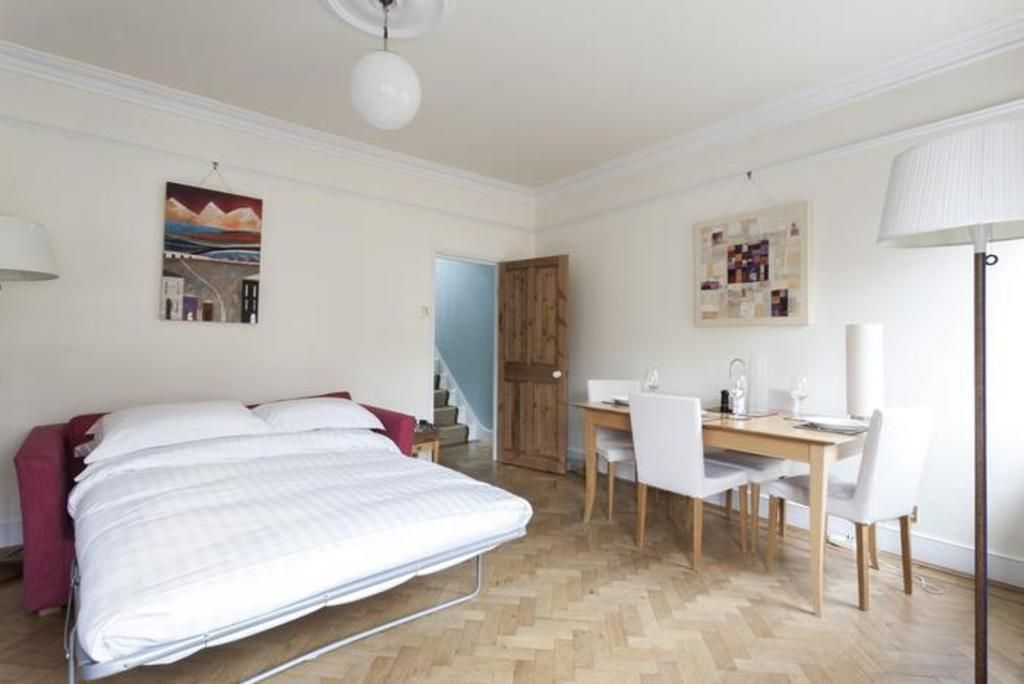 London Home 252, Picture This… Enjoying Your Holiday in a Luxury 5 Star Home in London, England - Studio Villa, Sleeps 6