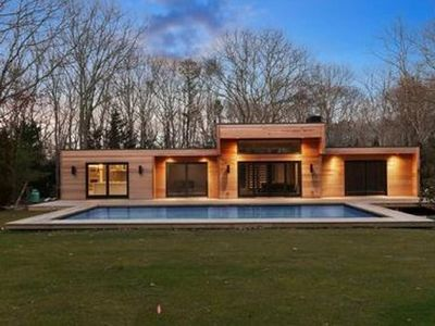 Photo for Walking distance to everthing you need for the best Hamptons vacation