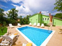 Great villa. Lovely and clean. Great pool. Had a super holiday here.