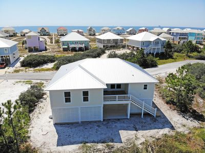 Photo for 2 community pools, steps to beach,Quick online booking for activities!