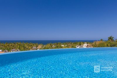 Infinity salt system pool with unobstructed ocean view