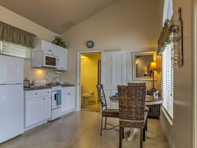 Palm Beach Gardens Apartment Rental   Vaulted Ceilings Create An Open  Living Space.