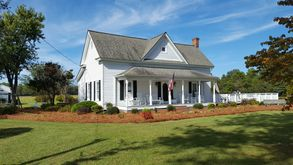 Photo for 2BR Farmhouse Vacation Rental in Lillington, North Carolina
