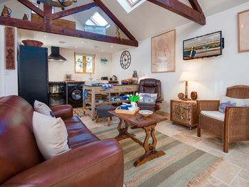 Byre @ Warkworth -  a cottage that sleeps 3/4 guests  in 2 bedrooms