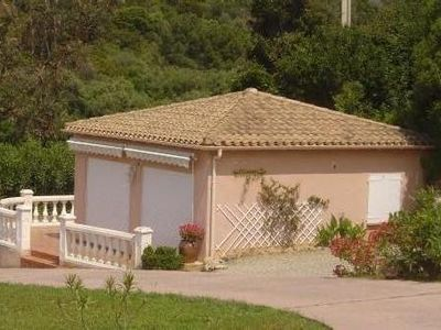 Photo for Mini-villa for 1 to 4 persons sea front. Beach at 50m