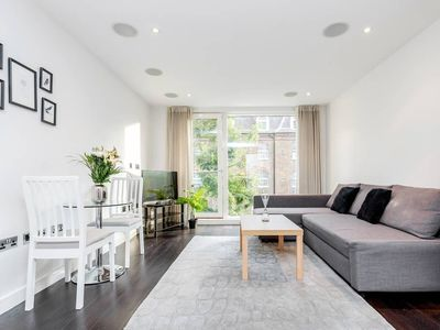 Photo for Professionally cleaned Beautiful one bedroom in heart of Chelsea