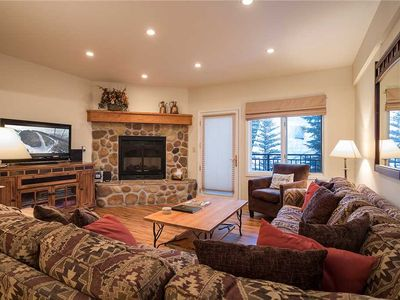 Photo for 3 Bedroom, 2 bath, quiet mountain local + 1/2 Olympic pool, hot tub & sauna!