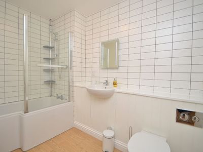 Photo for Apartment George's in Dartmouth - 4 persons, 2 bedrooms
