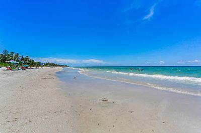 Location - The beautiful Naples beach is within 7 blocks of your door!