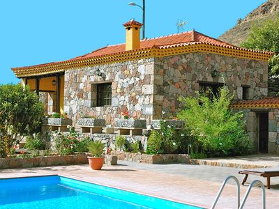 Photo for Little country house with private heated pool in the heart of Gran Canaria