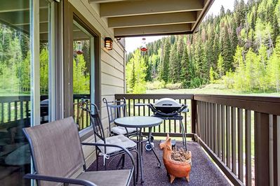 Balcony - Grill, dine, and unwind on 1 of 2 balconies.