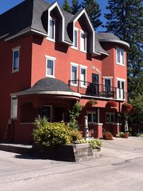 Private Luxury Boutique Vacation Rental in the heart of down town