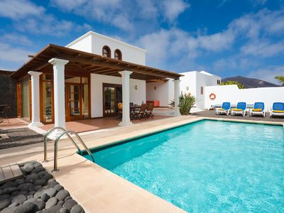 Photo for One bedroom Villa, sleeps 4 in Playa Blanca with Pool and WiFi