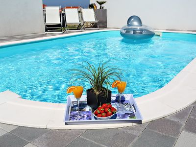 Photo for Stunning private villa with A/C, private pool, WIFI, TV, washing machine and parking