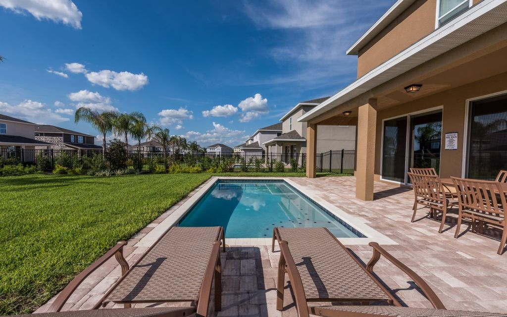 Encore Resort 317 - Exclusive villa with private pool & free shuttle to parks - Six Bedroom House, Sleeps 12
