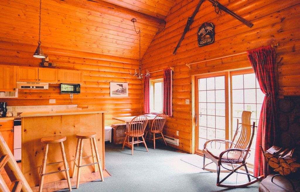 Lake louise baker creek 1 bedroom cabin l vrbo for Lake louise cabin rentals
