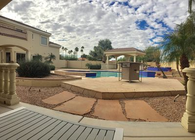 Luxury Guest House on Prime Estate with Large Pool - Glendale