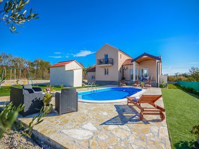 Photo for Holiday house with swimming pool in a quiet location