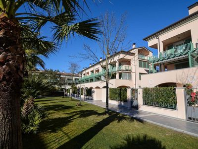 Photo for Studio Apartment for 2 at 1,7 Km from the Sea and Forte dei Marmi, WiFi, A/C