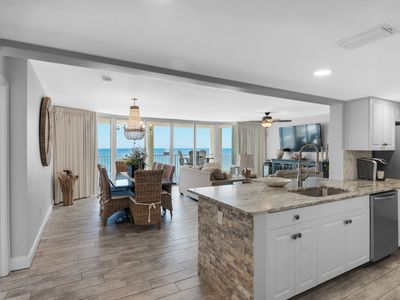 Photo for EXQUISITE 3-BEDROOM CONDO. INCLUDES BEACH SERVICE FOR TWO