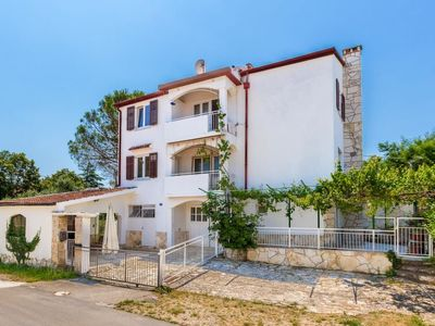Photo for Apartment HOUSE BARE in Pula/Banjole - 6 persons, 3 bedrooms