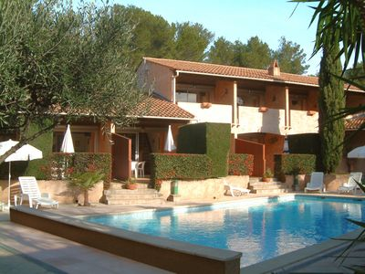 Photo for Residence at the Croix-Valmer pine, parking, swimming pool, wifi, beach at 150 meters