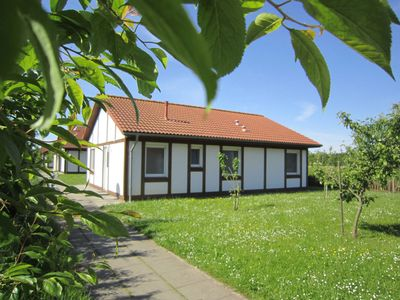 Photo for Holiday house 323 cogs 60sqm up to 6 persons with pets - Cottage Kogge in the holiday village Altes Land