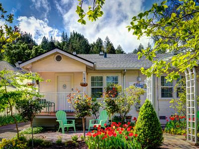 Photo for Free wifi & free parking.  Charming In-Town Cottage In California Wine Country