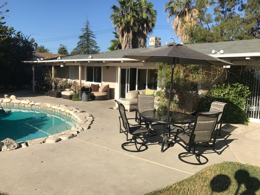 3 bedroom house in los angeles gorgeous view pool los for 3 bedroom house with pool
