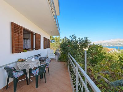 Photo for ARBANIJA A1, budget 1-bedroom apartment, 80m from the beach