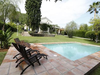 Photo for VILLA WITH PRIVATE POOL JUST 12 MINUTES FROM THE CENTER OF SEVILLA