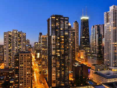 Photo for Luxury 2 Bedroom on 35th Floor in Magnificent Mile with Private Balcony