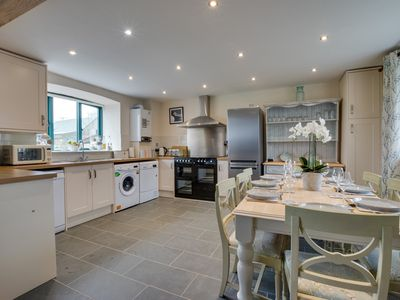 Photo for Perfect for a family holiday or groups of friends in Pembrokeshire. This holiday cottage includes a