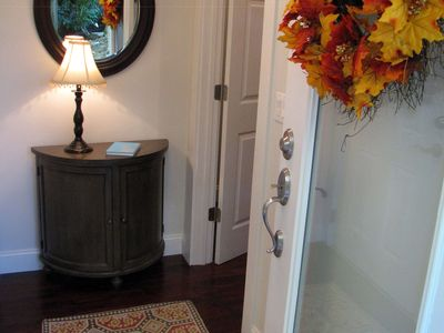 Monthly rental comfortable convenient 2bd vrbo the foyer greets you when you first enter the apartment m4hsunfo