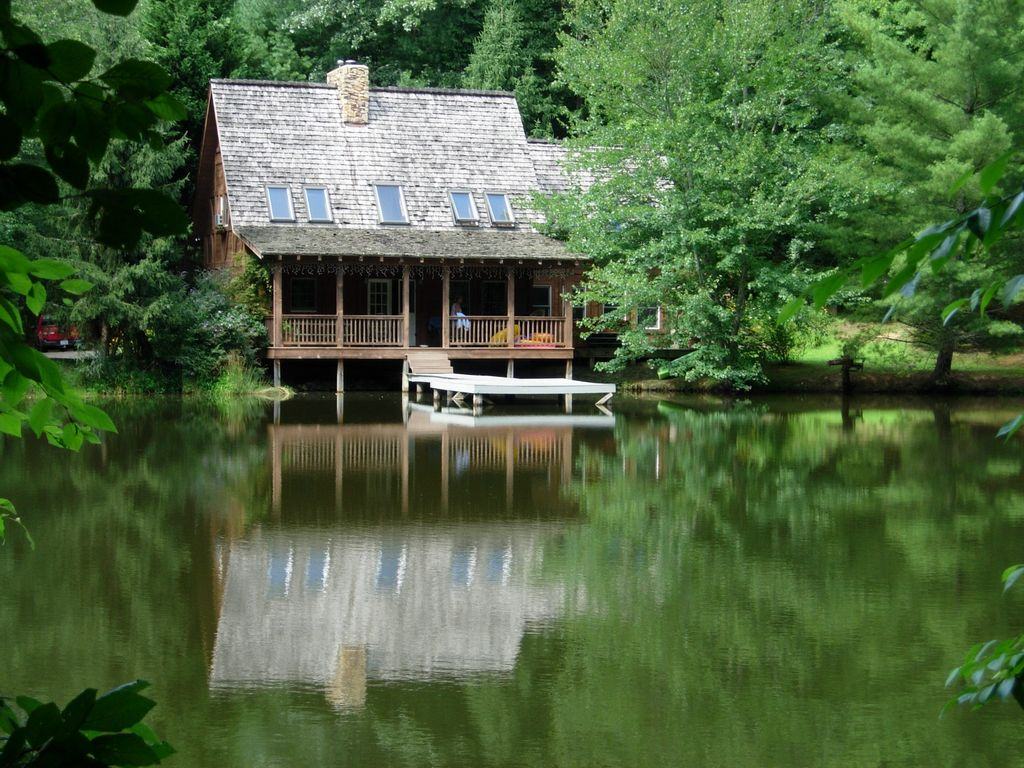 Charming cottage beautiful views private pond nc for Cottage in the mountains